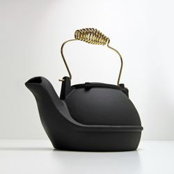 Alumina Matte Black Half Kettle Humidifier w/ Brass Handle