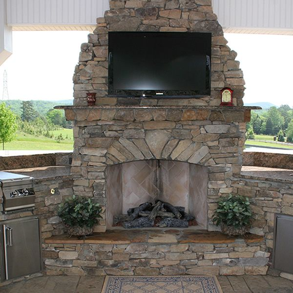 Elite Outdoor Custom Fireplace with Extended Hearth image number 0