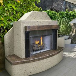 FlameCraft Traditional Outdoor Gas Fireplace - LP