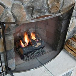 Olde World Bowed Fireplace Screen - Pewter