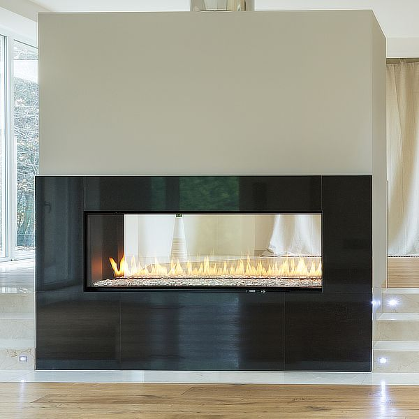 Montigo R420 See Through Direct Vent Linear Gas Fireplace image number 0