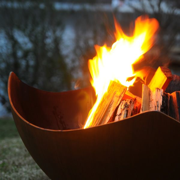 Manta Ray Wood Burning Fire Pit image number 3