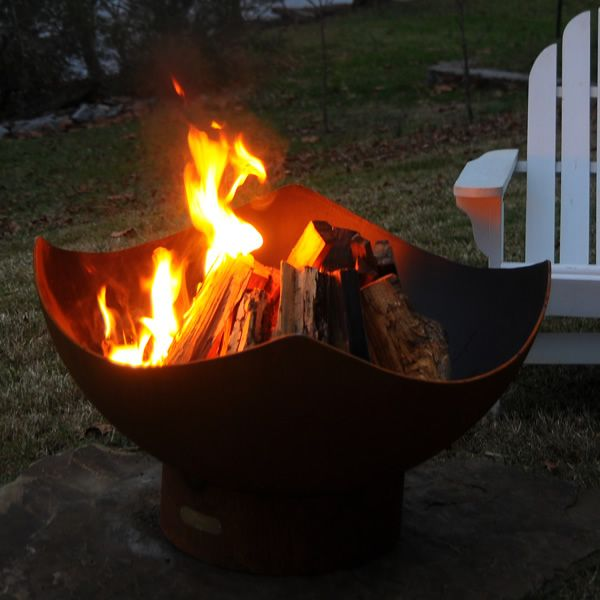 Manta Ray Wood Burning Fire Pit image number 4