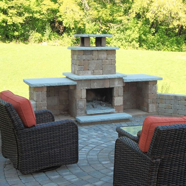 Rockwood Compact Outdoor Fireplace image number 1