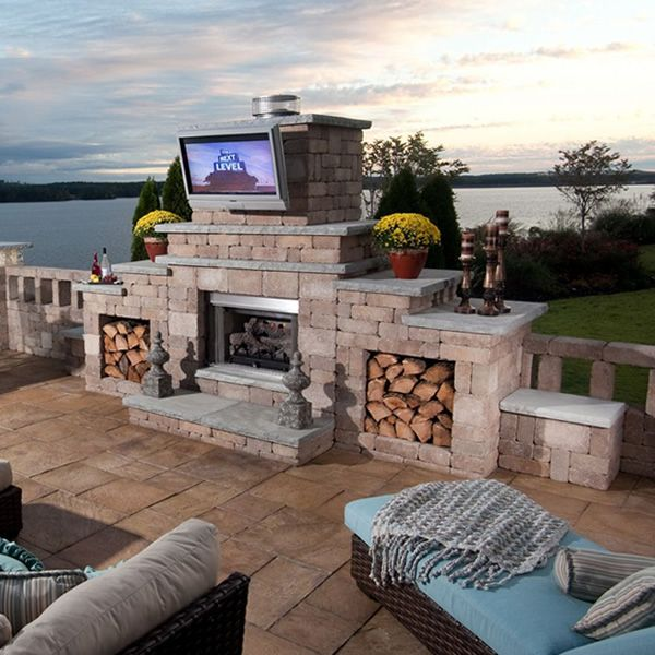 Rockwood Grand Outdoor Fireplace image number 1