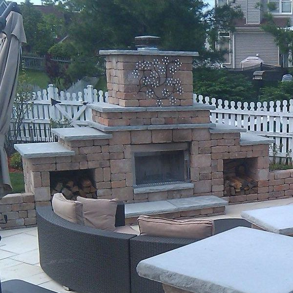 Rockwood Grand Outdoor Fireplace image number 3