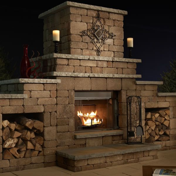 Rockwood Grand Outdoor Fireplace image number 0