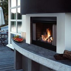 Zero-Clearance Outdoor Gas Fireplace - Satin Black
